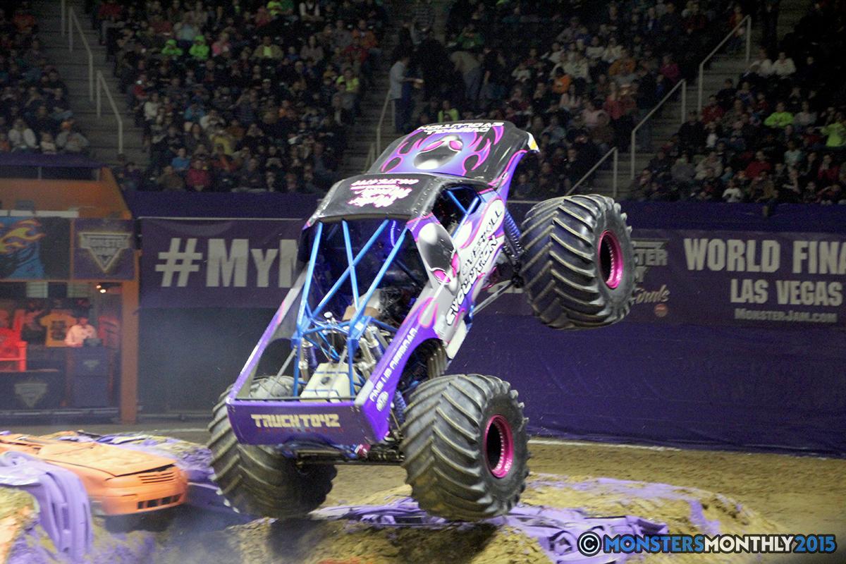 23-monsters-monthly-com-monster-jam-2015-thompson-bolin-arena-knoxville-tennessee-monster-truck.jpg