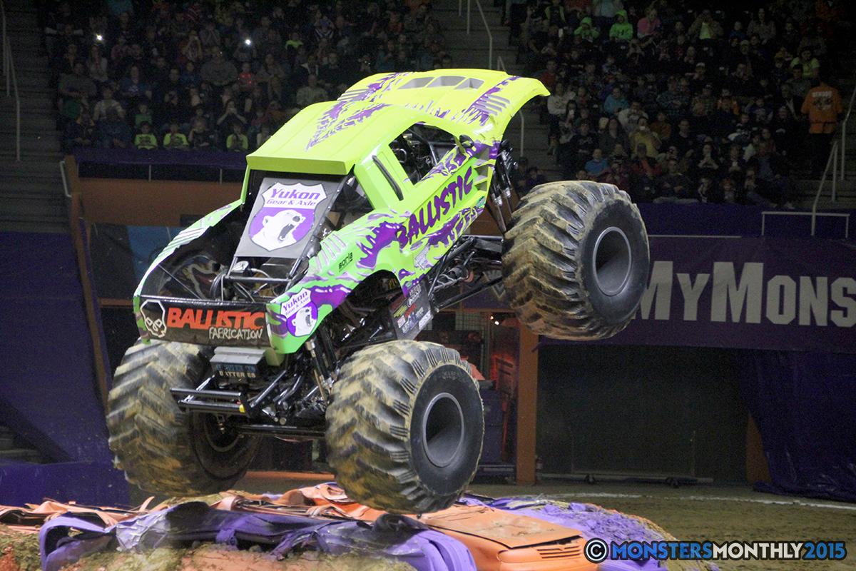 27-monsters-monthly-com-monster-jam-2015-thompson-bolin-arena-knoxville-tennessee-monster-truck.jpg