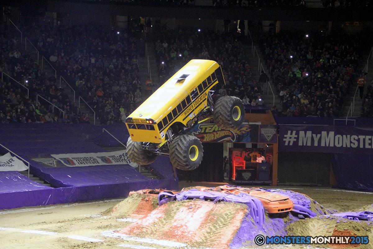 32-monsters-monthly-com-monster-jam-2015-thompson-bolin-arena-knoxville-tennessee-monster-truck.jpg