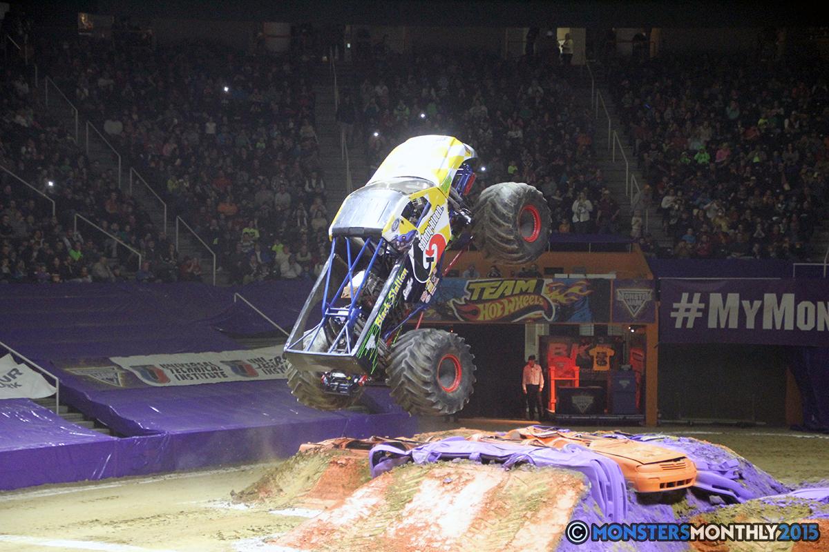 35-monsters-monthly-com-monster-jam-2015-thompson-bolin-arena-knoxville-tennessee-monster-truck.jpg