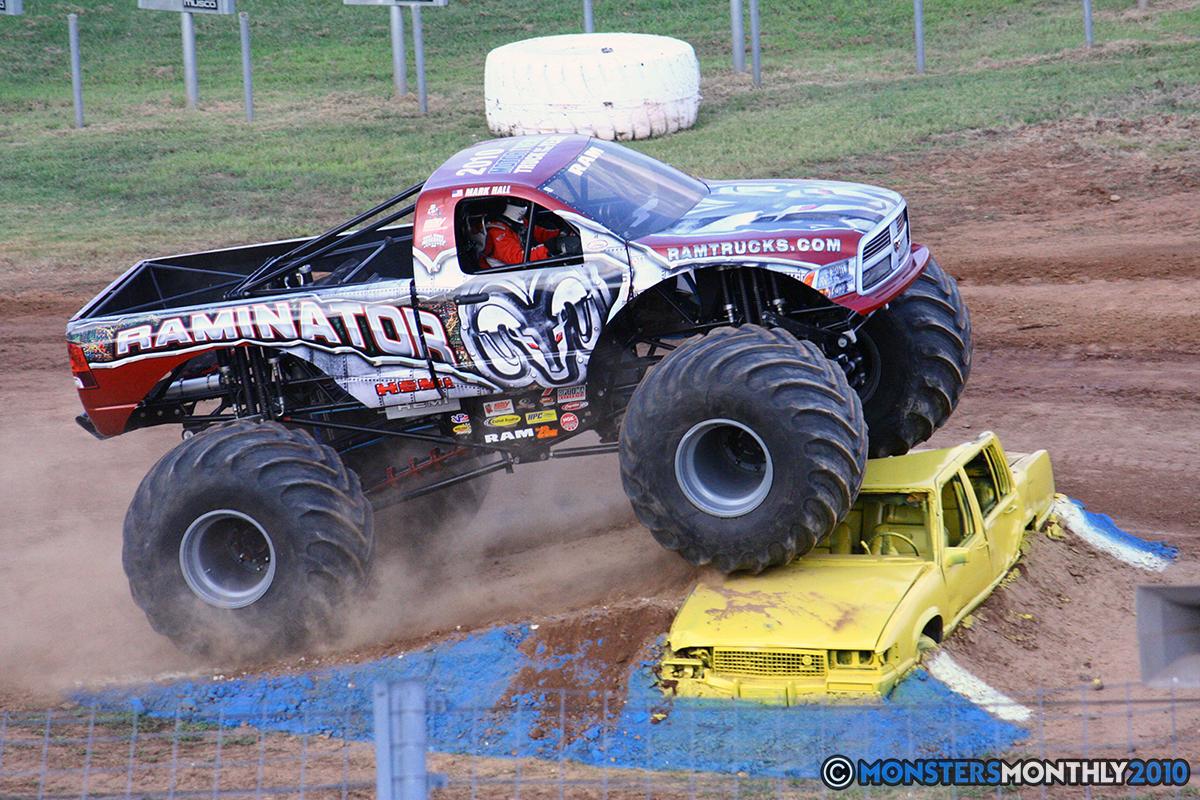 22-monstersmonthly-2010-charlotte-dirt-track-monster-truck-back-to-school-bash.jpg