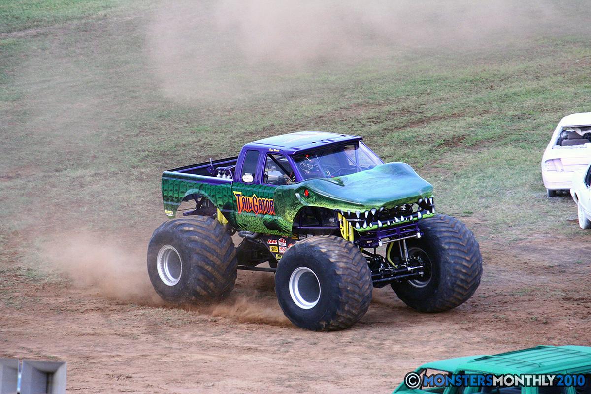 24-monstersmonthly-2010-charlotte-dirt-track-monster-truck-back-to-school-bash.jpg