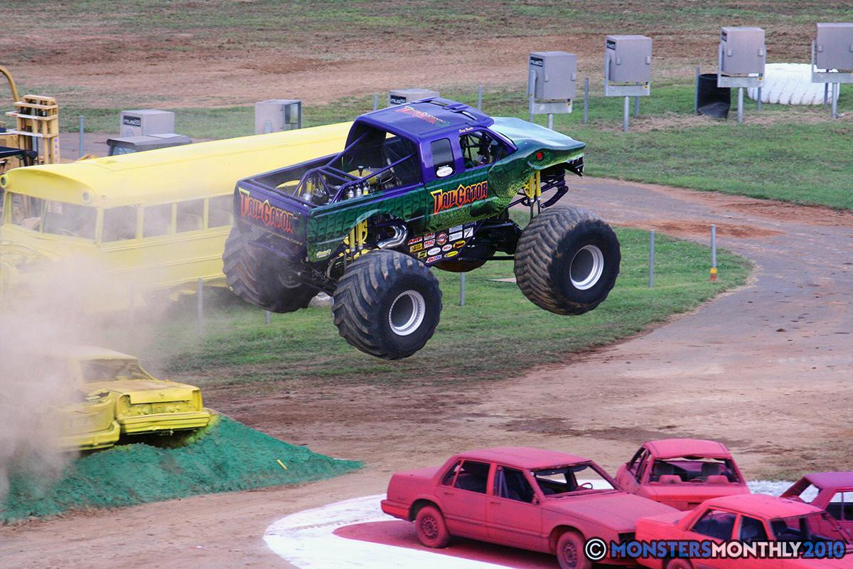 25-monstersmonthly-2010-charlotte-dirt-track-monster-truck-back-to-school-bash.jpg