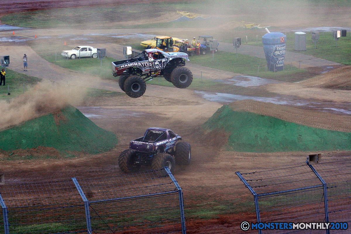 36-monstersmonthly-2010-charlotte-dirt-track-monster-truck-back-to-school-bash.jpg