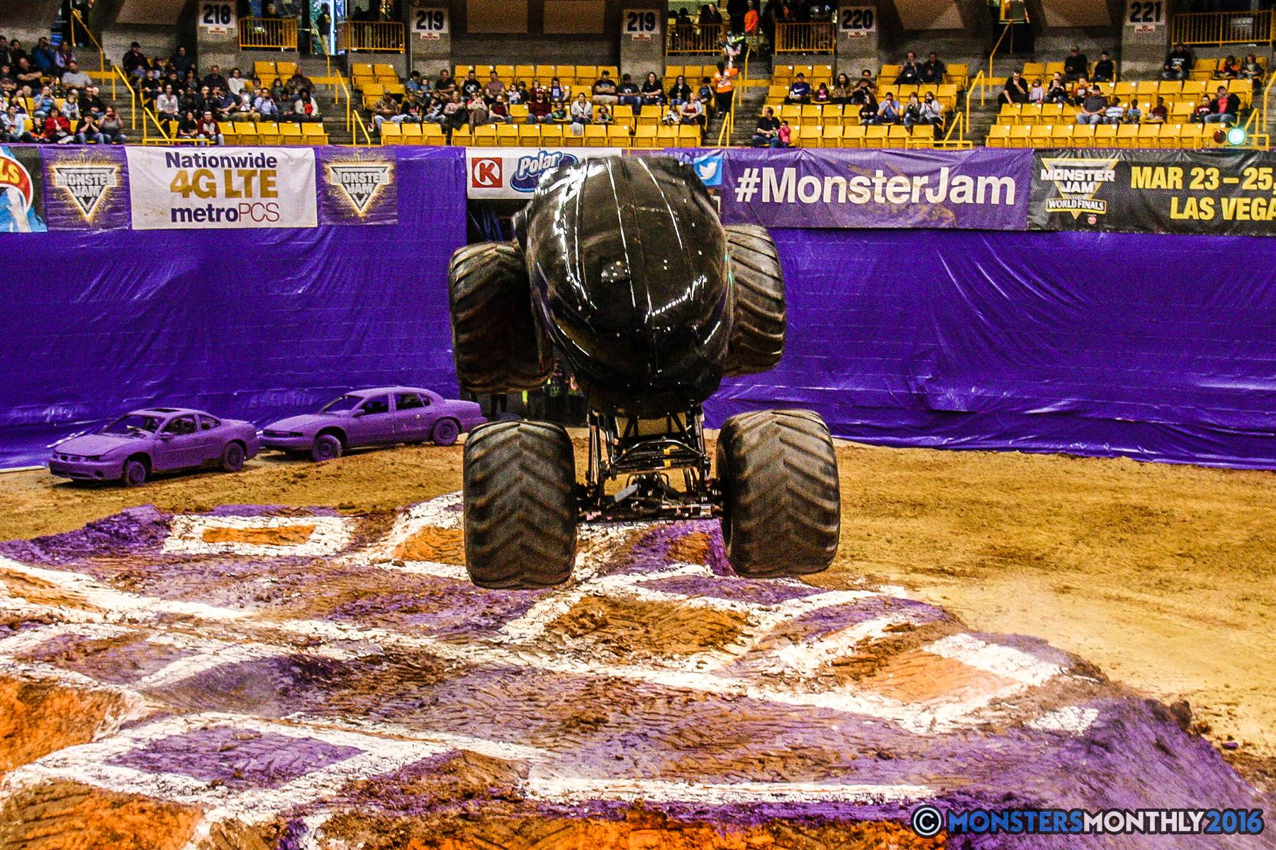16-monster-jam-utc-mckenzie-arena-chattanooga-tennessee-monstersmonthly-monster-truck-race-gravedigger-monstermutt-xtermigator-razin-kane-doomsday-captainscurse-2016.jpg