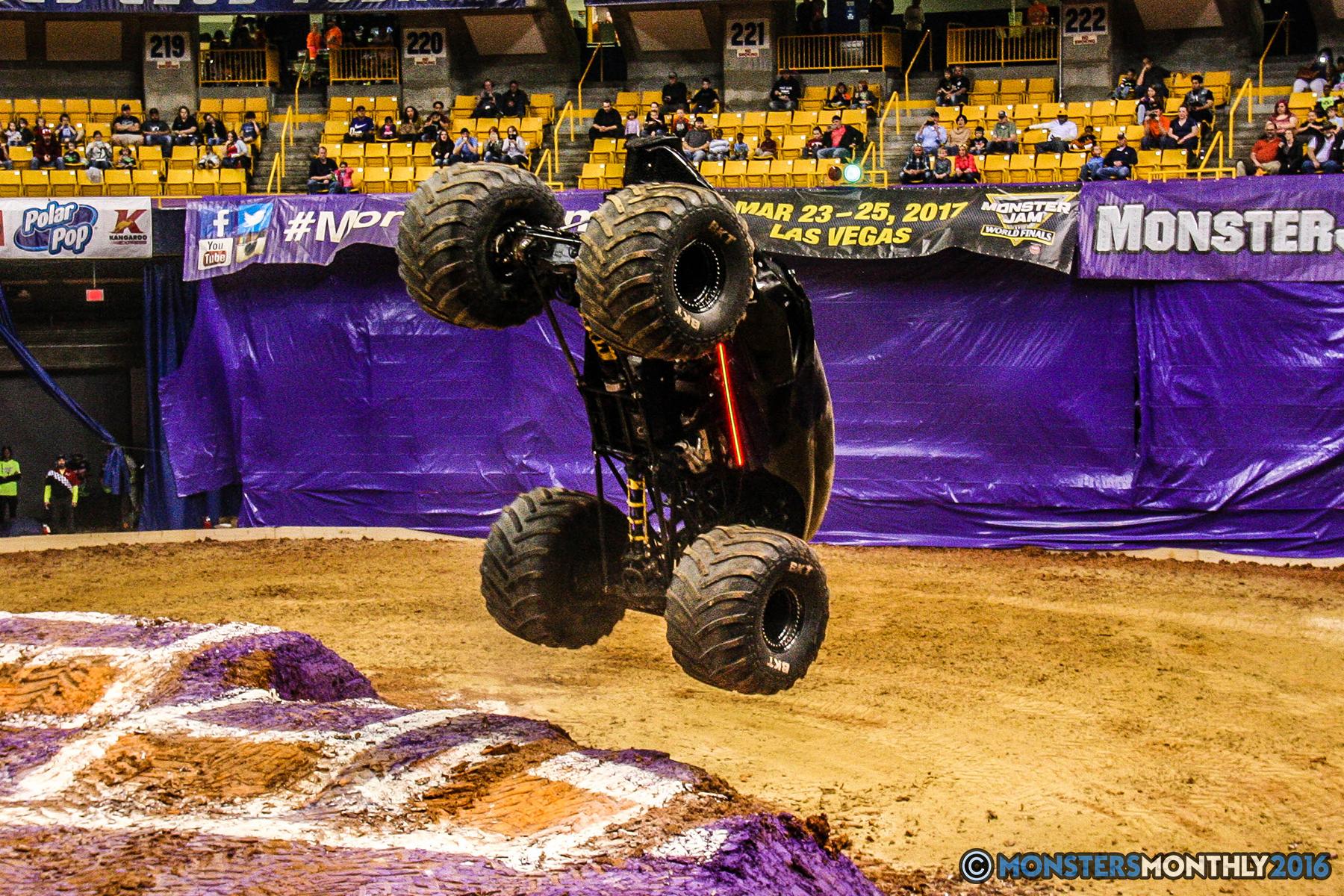 17-monster-jam-utc-mckenzie-arena-chattanooga-tennessee-monstersmonthly-monster-truck-race-gravedigger-monstermutt-xtermigator-razin-kane-doomsday-captainscurse-2016.jpg