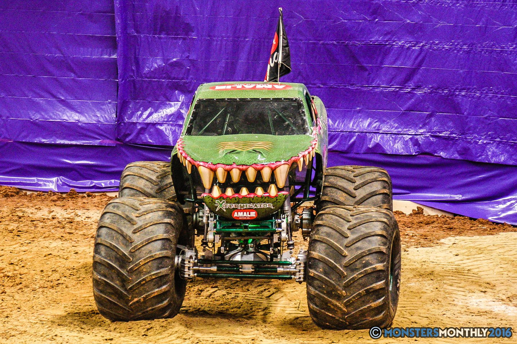 24-monster-jam-utc-mckenzie-arena-chattanooga-tennessee-monstersmonthly-monster-truck-race-gravedigger-monstermutt-xtermigator-razin-kane-doomsday-captainscurse-2016.jpg