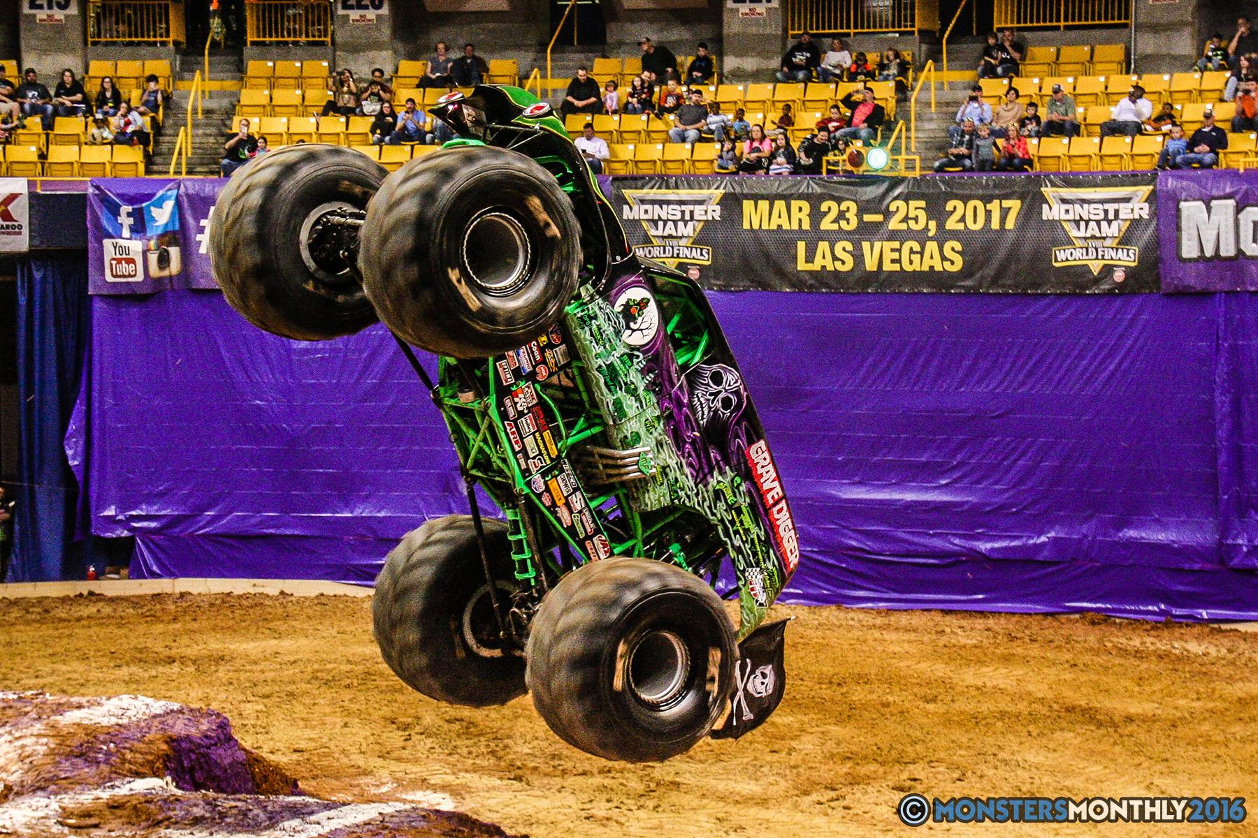 30-monster-jam-utc-mckenzie-arena-chattanooga-tennessee-monstersmonthly-monster-truck-race-gravedigger-monstermutt-xtermigator-razin-kane-doomsday-captainscurse-2016.jpg