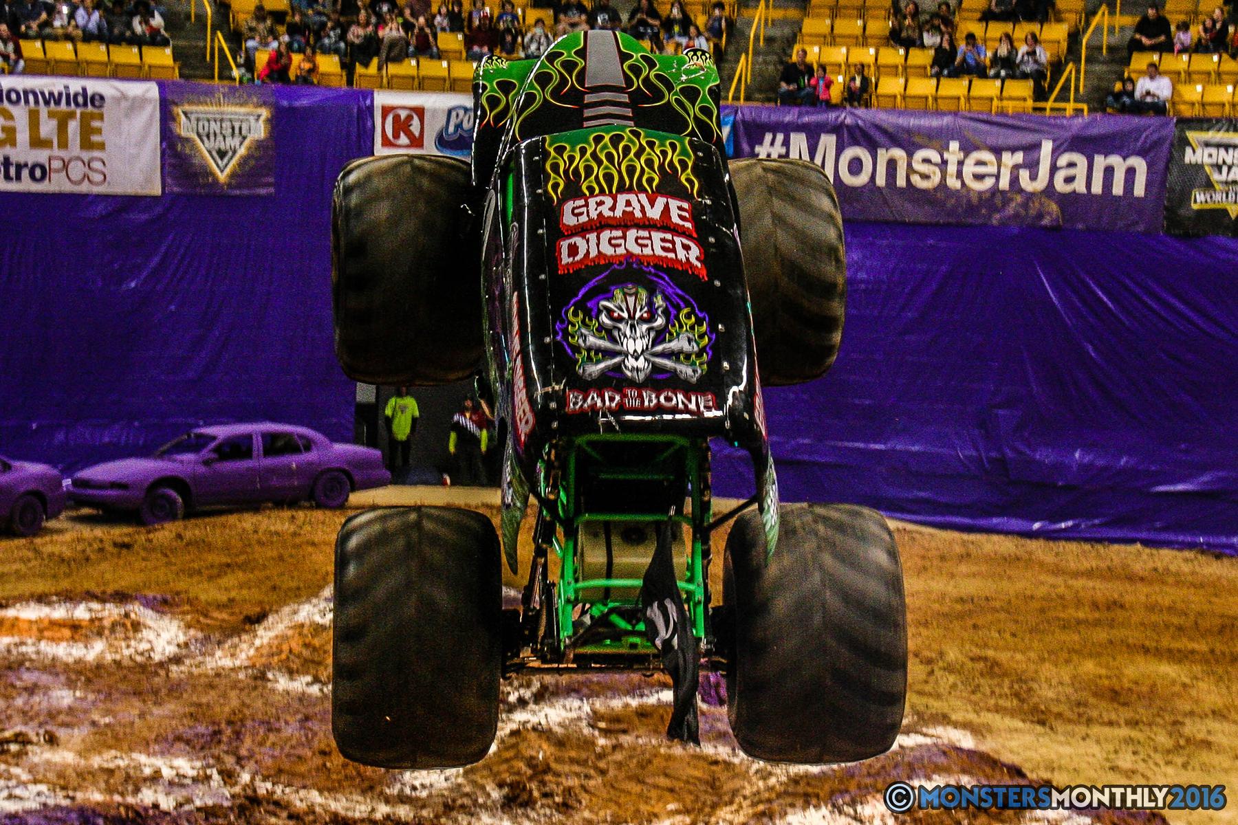 34-monster-jam-utc-mckenzie-arena-chattanooga-tennessee-monstersmonthly-monster-truck-race-gravedigger-monstermutt-xtermigator-razin-kane-doomsday-captainscurse-2016.jpg