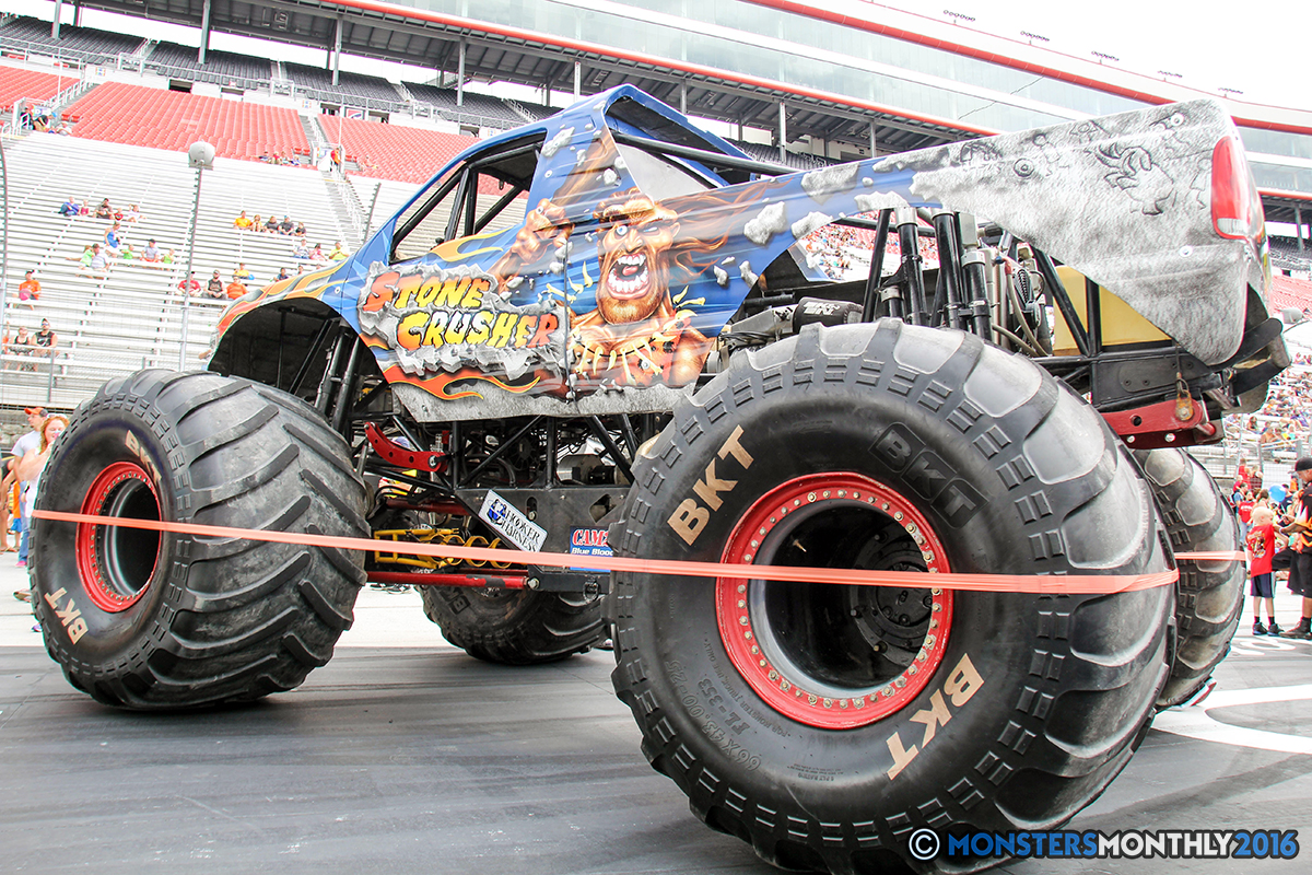03-monsters-monthly-thompson-metal-monster-truck-madness-2016-bristol-motor-speedway-bigfoot-heavy-hitter-hooked-stone-crusher-quad-chaos-dawg-pound-dirt-crew.jpg