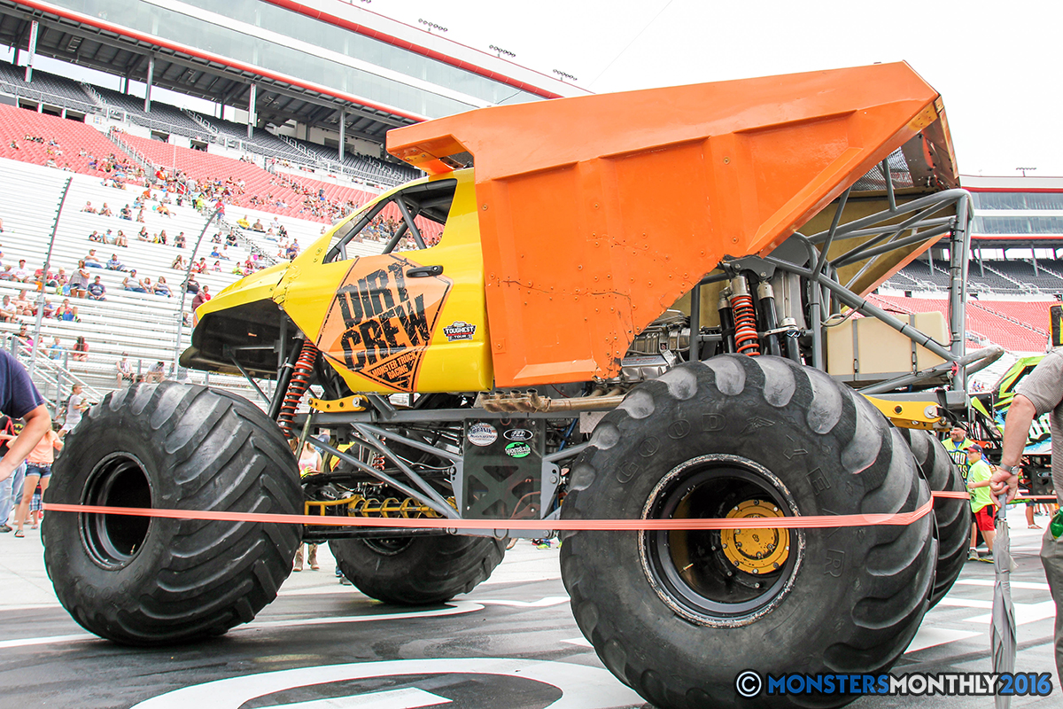 05-monsters-monthly-thompson-metal-monster-truck-madness-2016-bristol-motor-speedway-bigfoot-heavy-hitter-hooked-stone-crusher-quad-chaos-dawg-pound-dirt-crew.jpg