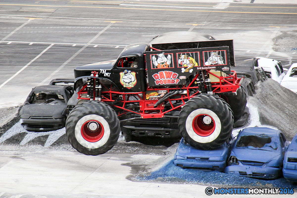 11-monsters-monthly-thompson-metal-monster-truck-madness-2016-bristol-motor-speedway-bigfoot-heavy-hitter-hooked-stone-crusher-quad-chaos-dawg-pound-dirt-crew.jpg