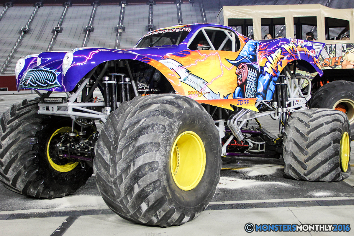 53-monsters-monthly-thompson-metal-monster-truck-madness-2016-bristol-motor-speedway-bigfoot-heavy-hitter-hooked-stone-crusher-quad-chaos-dawg-pound-dirt-crew.jpg