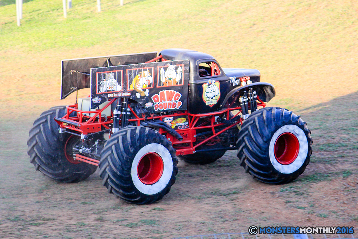 02-monsters-monthly-charlotte-monster-truck-racing-freestyle-north-carolina-2016-bigfoot-avenger-brutus-quad-chaos-heavy-hitter-saigon-shaker-dirt-crew.jpg