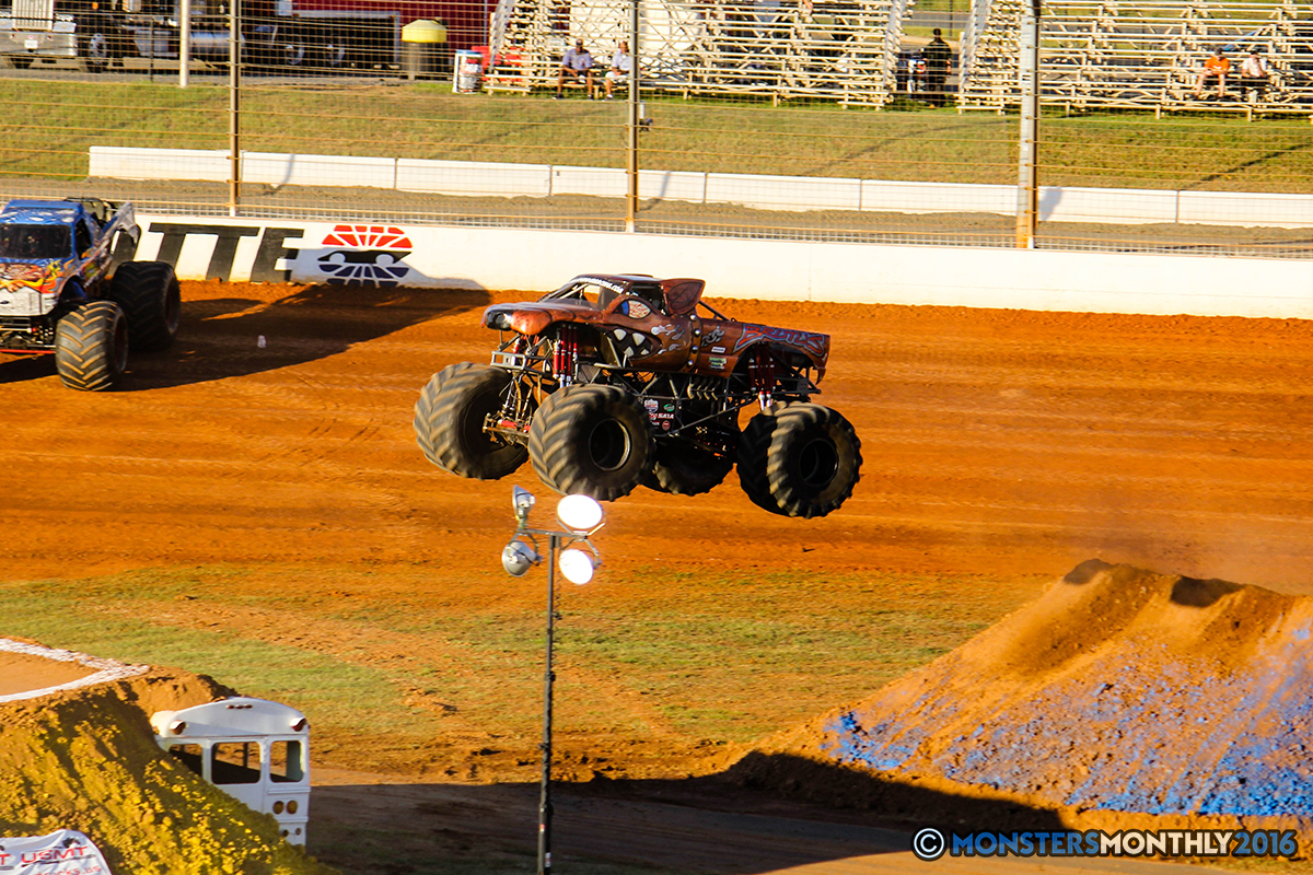 08-monsters-monthly-charlotte-monster-truck-racing-freestyle-north-carolina-2016-bigfoot-avenger-brutus-quad-chaos-heavy-hitter-saigon-shaker-dirt-crew.jpg