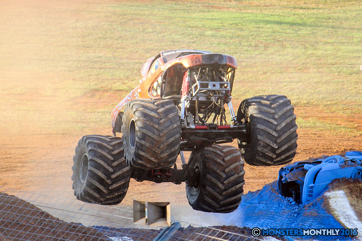 09-monsters-monthly-charlotte-monster-truck-racing-freestyle-north-carolina-2016-bigfoot-avenger-brutus-quad-chaos-heavy-hitter-saigon-shaker-dirt-crew.jpg