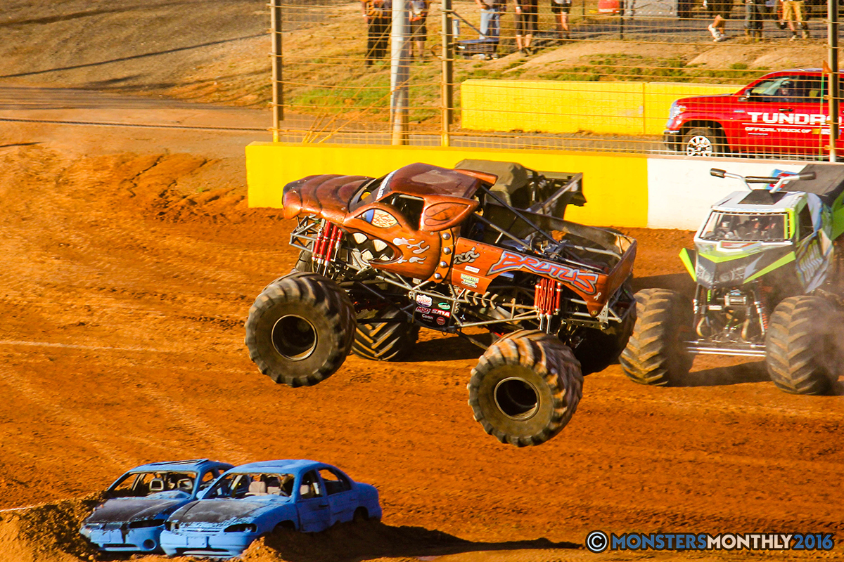 12-monsters-monthly-charlotte-monster-truck-racing-freestyle-north-carolina-2016-bigfoot-avenger-brutus-quad-chaos-heavy-hitter-saigon-shaker-dirt-crew.jpg