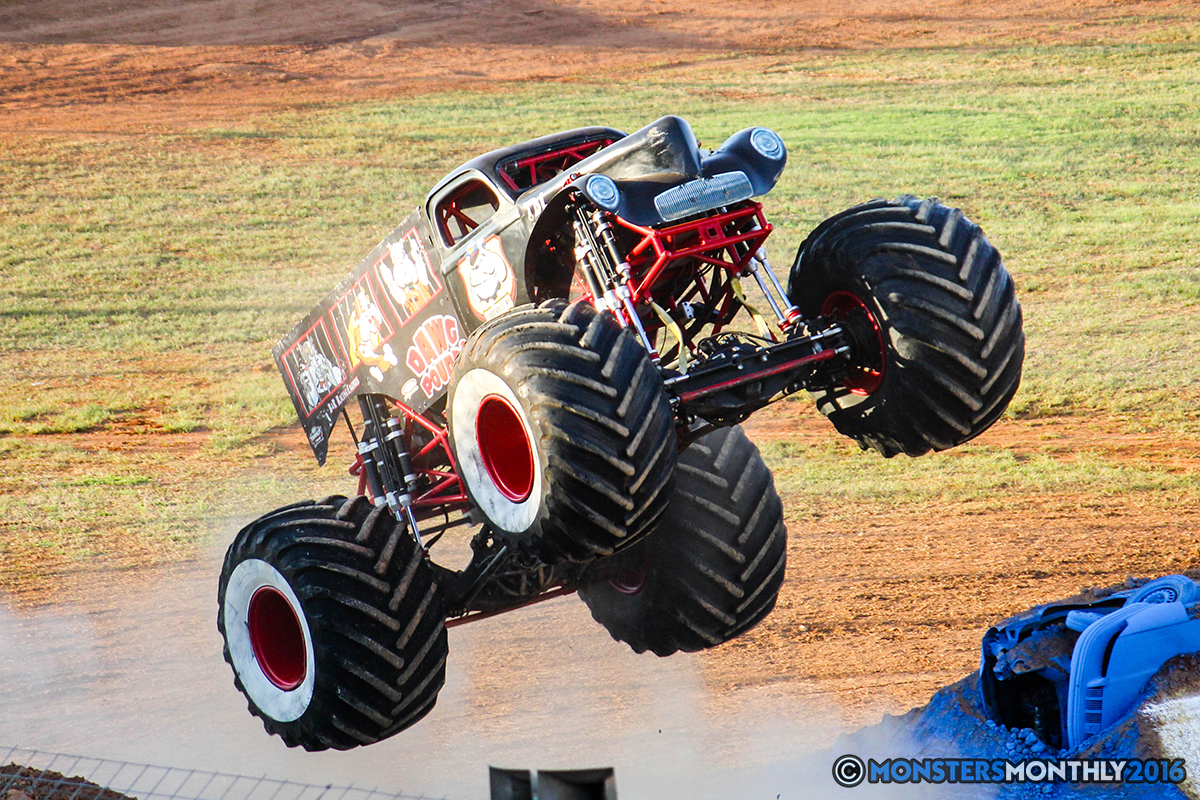 13-monsters-monthly-charlotte-monster-truck-racing-freestyle-north-carolina-2016-bigfoot-avenger-brutus-quad-chaos-heavy-hitter-saigon-shaker-dirt-crew.jpg