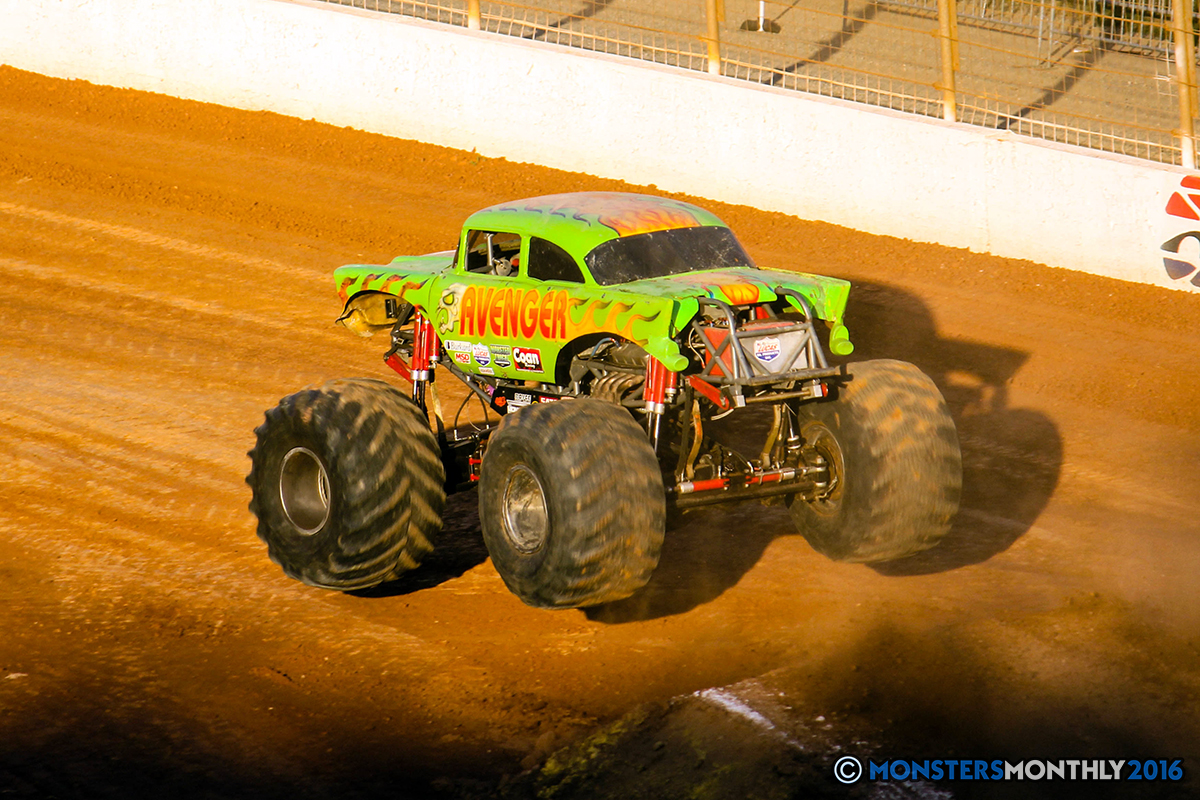 32-monsters-monthly-charlotte-monster-truck-racing-freestyle-north-carolina-2016-bigfoot-avenger-brutus-quad-chaos-heavy-hitter-saigon-shaker-dirt-crew.jpg