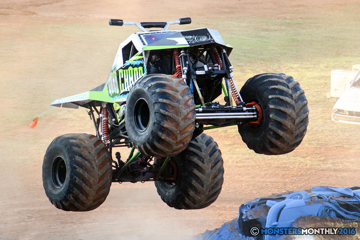 41-monsters-monthly-charlotte-monster-truck-racing-freestyle-north-carolina-2016-bigfoot-avenger-brutus-quad-chaos-heavy-hitter-saigon-shaker-dirt-crew.jpg