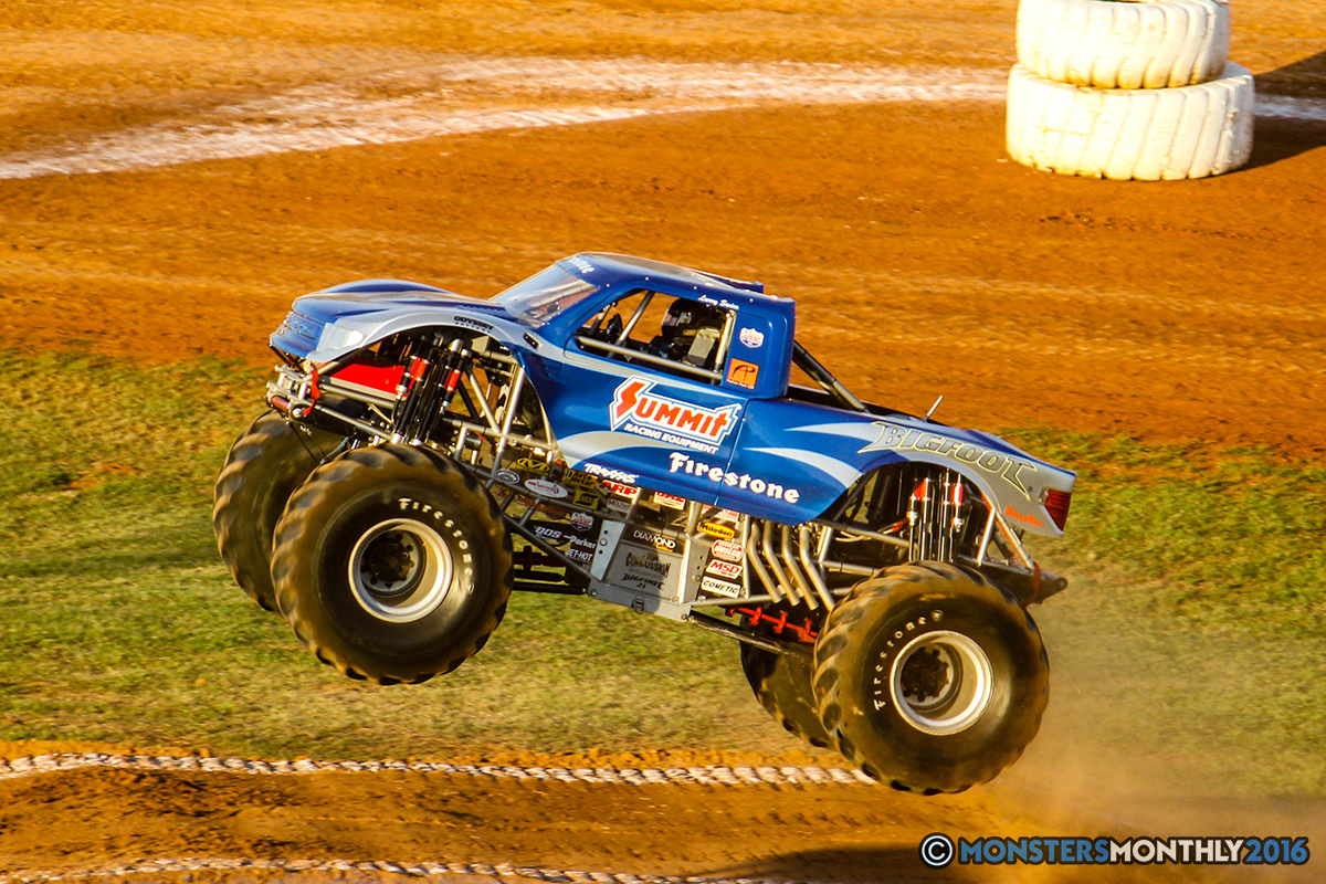 46-monsters-monthly-charlotte-monster-truck-racing-freestyle-north-carolina-2016-bigfoot-avenger-brutus-quad-chaos-heavy-hitter-saigon-shaker-dirt-crew.jpg