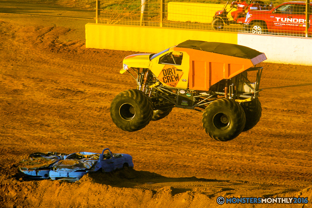 56-monsters-monthly-charlotte-monster-truck-racing-freestyle-north-carolina-2016-bigfoot-avenger-brutus-quad-chaos-heavy-hitter-saigon-shaker-dirt-crew.jpg