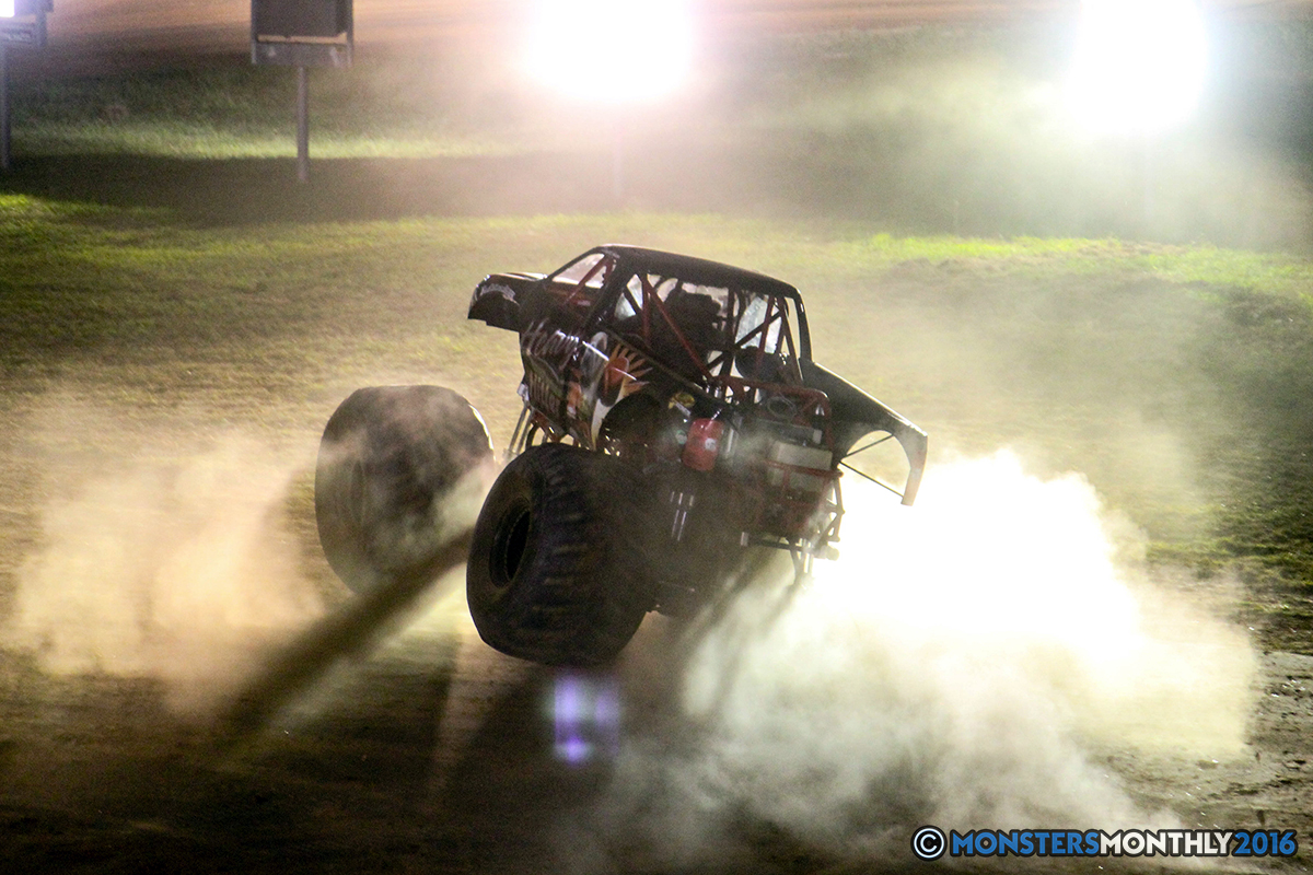 63-monsters-monthly-charlotte-monster-truck-racing-freestyle-north-carolina-2016-bigfoot-avenger-brutus-quad-chaos-heavy-hitter-saigon-shaker-dirt-crew.jpg