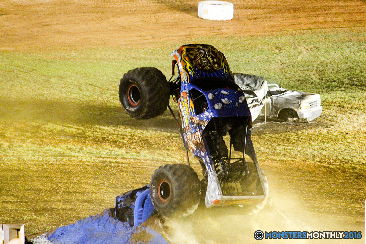 67-monsters-monthly-charlotte-monster-truck-racing-freestyle-north-carolina-2016-bigfoot-avenger-brutus-quad-chaos-heavy-hitter-saigon-shaker-dirt-crew.jpg