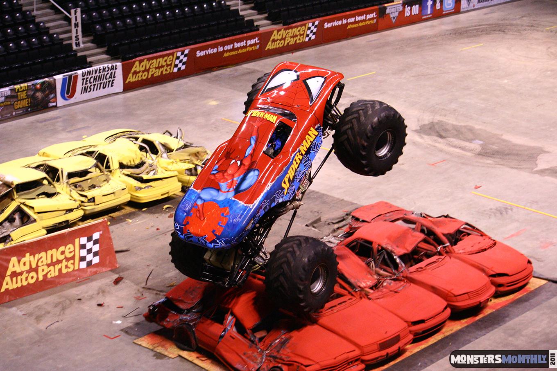 07-monsters-monthly-monster-jam-2011-thompson-boling-arena-grave-digger-spiderman-predator-prowler-bad-news.jpg