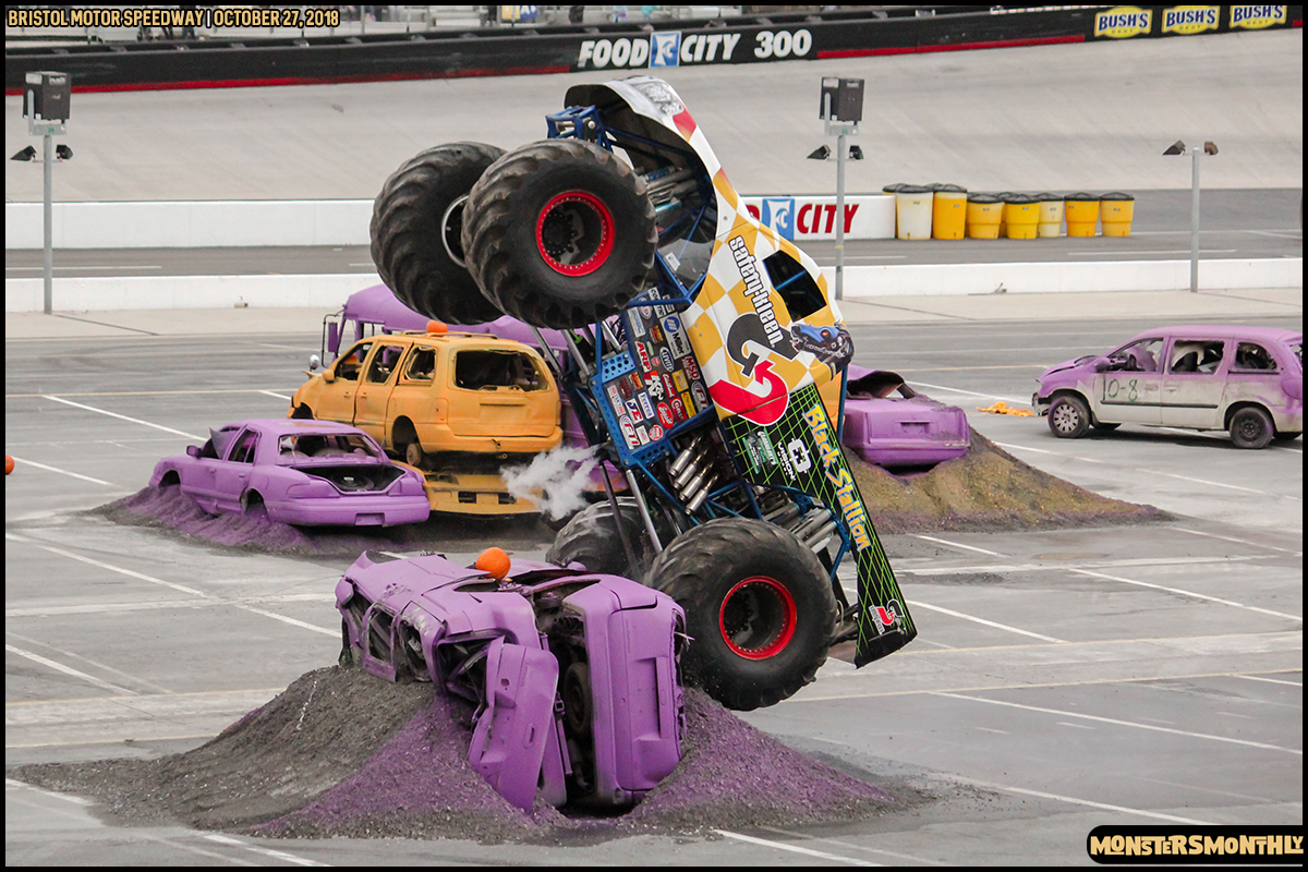 40-metropcs-monster-truck-mash-bristol-motor-speedway-2018-monsters-monthly.jpg