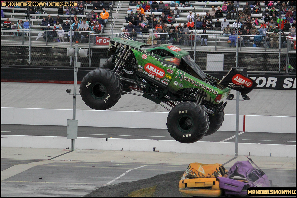 46-metropcs-monster-truck-mash-bristol-motor-speedway-2018-monsters-monthly.jpg