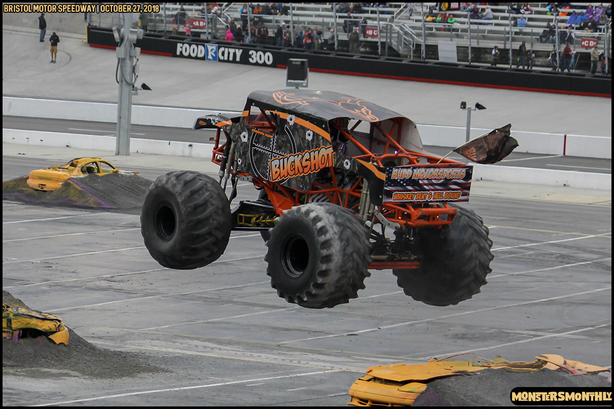 59-metropcs-monster-truck-mash-bristol-motor-speedway-2018-monsters-monthly.jpg