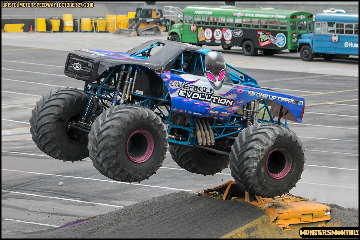 60-metropcs-monster-truck-mash-bristol-motor-speedway-2018-monsters-monthly.jpg