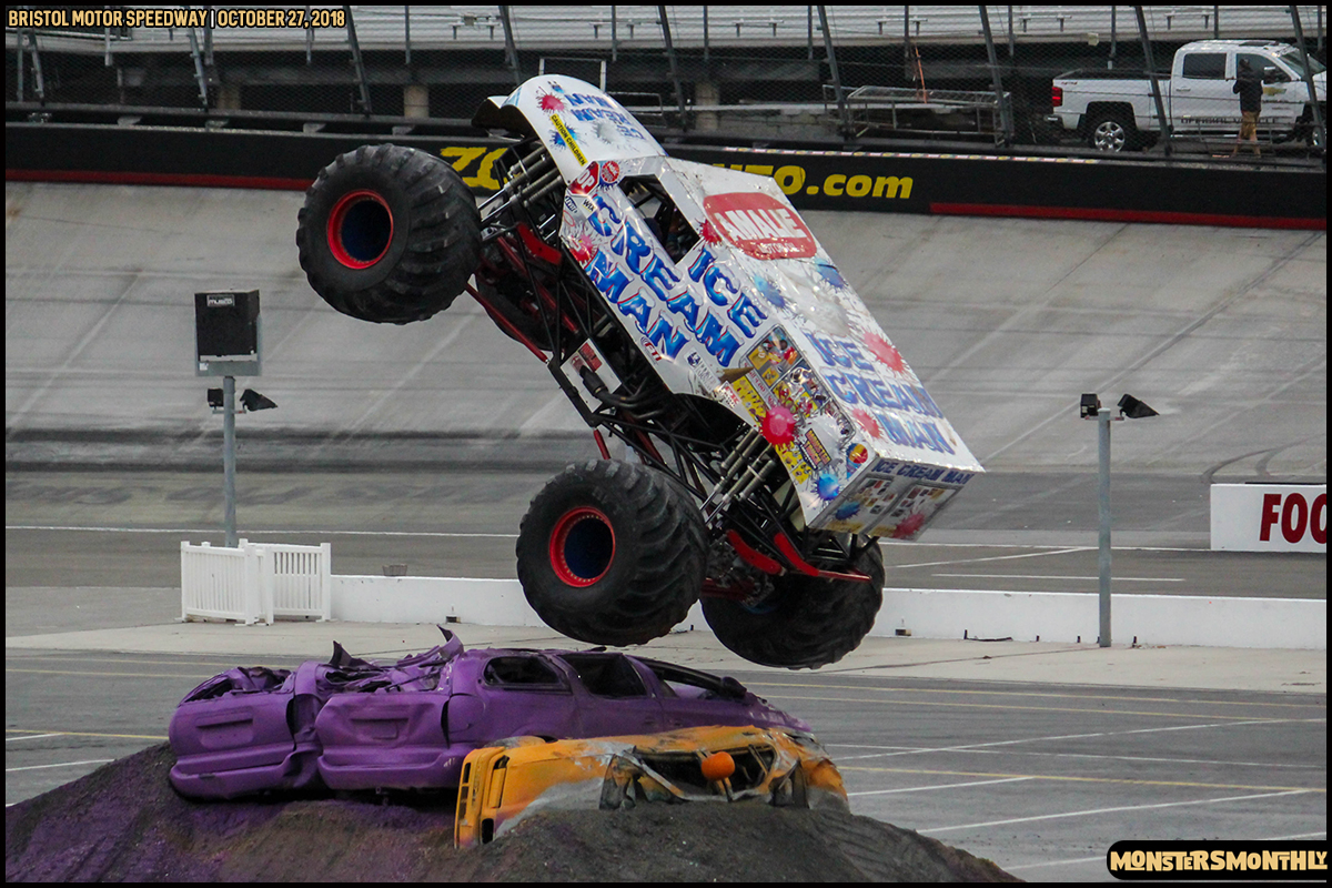 62-metropcs-monster-truck-mash-bristol-motor-speedway-2018-monsters-monthly.jpg