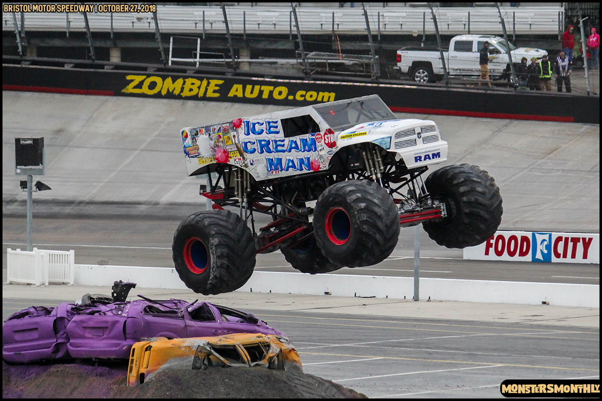 63-metropcs-monster-truck-mash-bristol-motor-speedway-2018-monsters-monthly.jpg