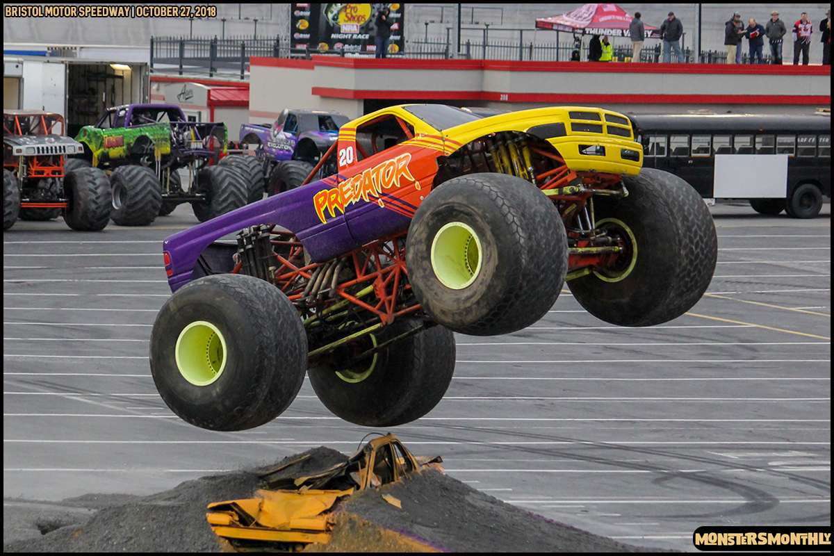66-metropcs-monster-truck-mash-bristol-motor-speedway-2018-monsters-monthly.jpg