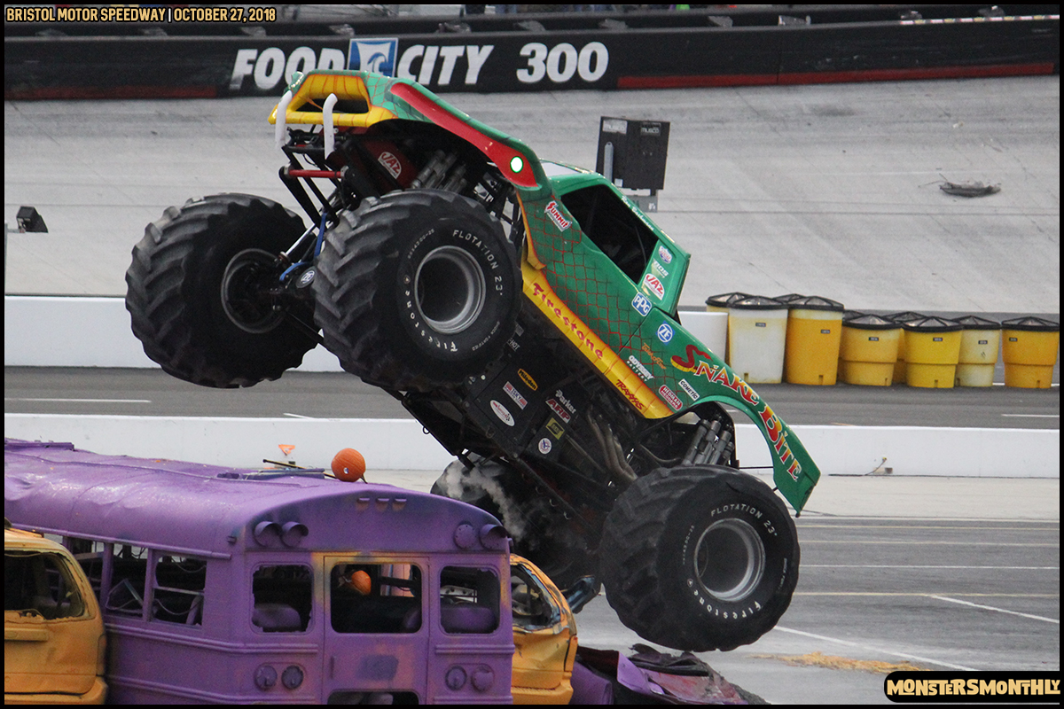 70-metropcs-monster-truck-mash-bristol-motor-speedway-2018-monsters-monthly.jpg