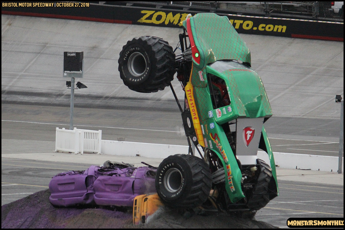71-metropcs-monster-truck-mash-bristol-motor-speedway-2018-monsters-monthly.jpg