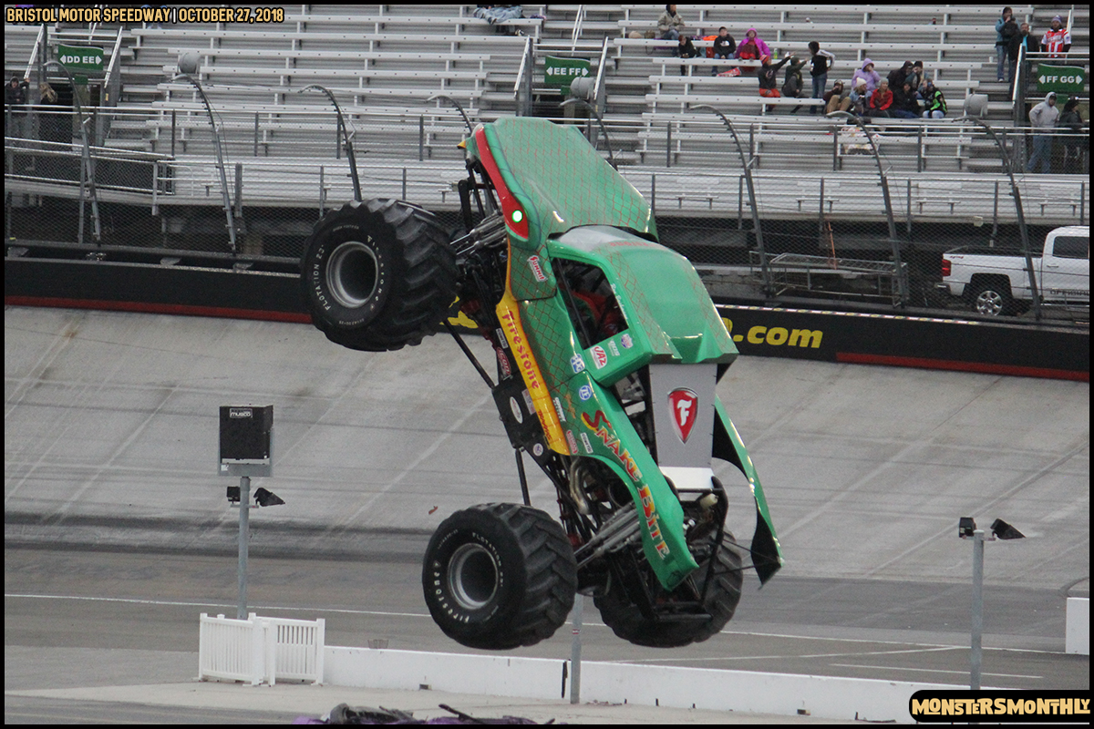 72-metropcs-monster-truck-mash-bristol-motor-speedway-2018-monsters-monthly.jpg