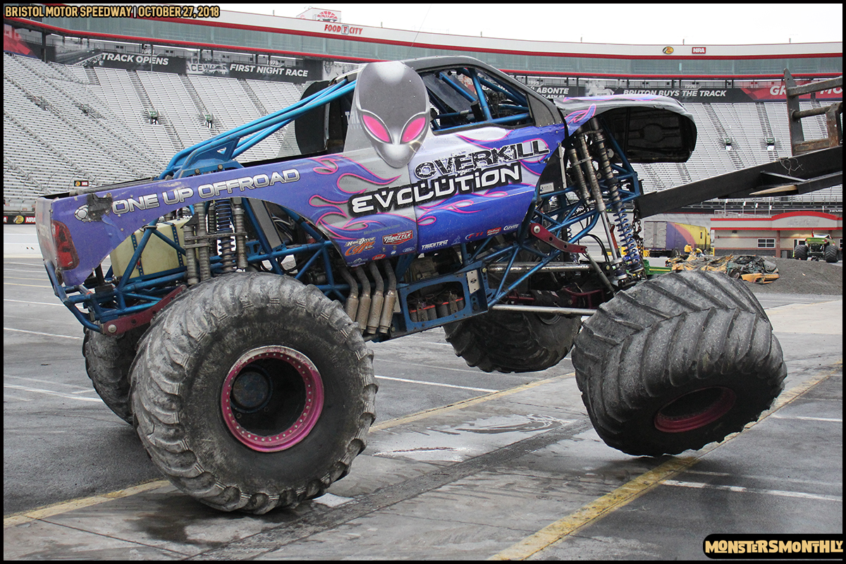 86-metropcs-monster-truck-mash-bristol-motor-speedway-2018-monsters-monthly.jpg