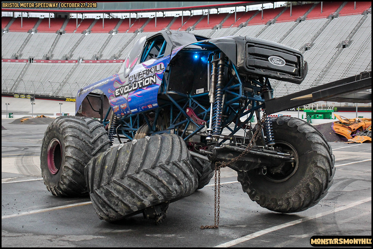 87-metropcs-monster-truck-mash-bristol-motor-speedway-2018-monsters-monthly.jpg