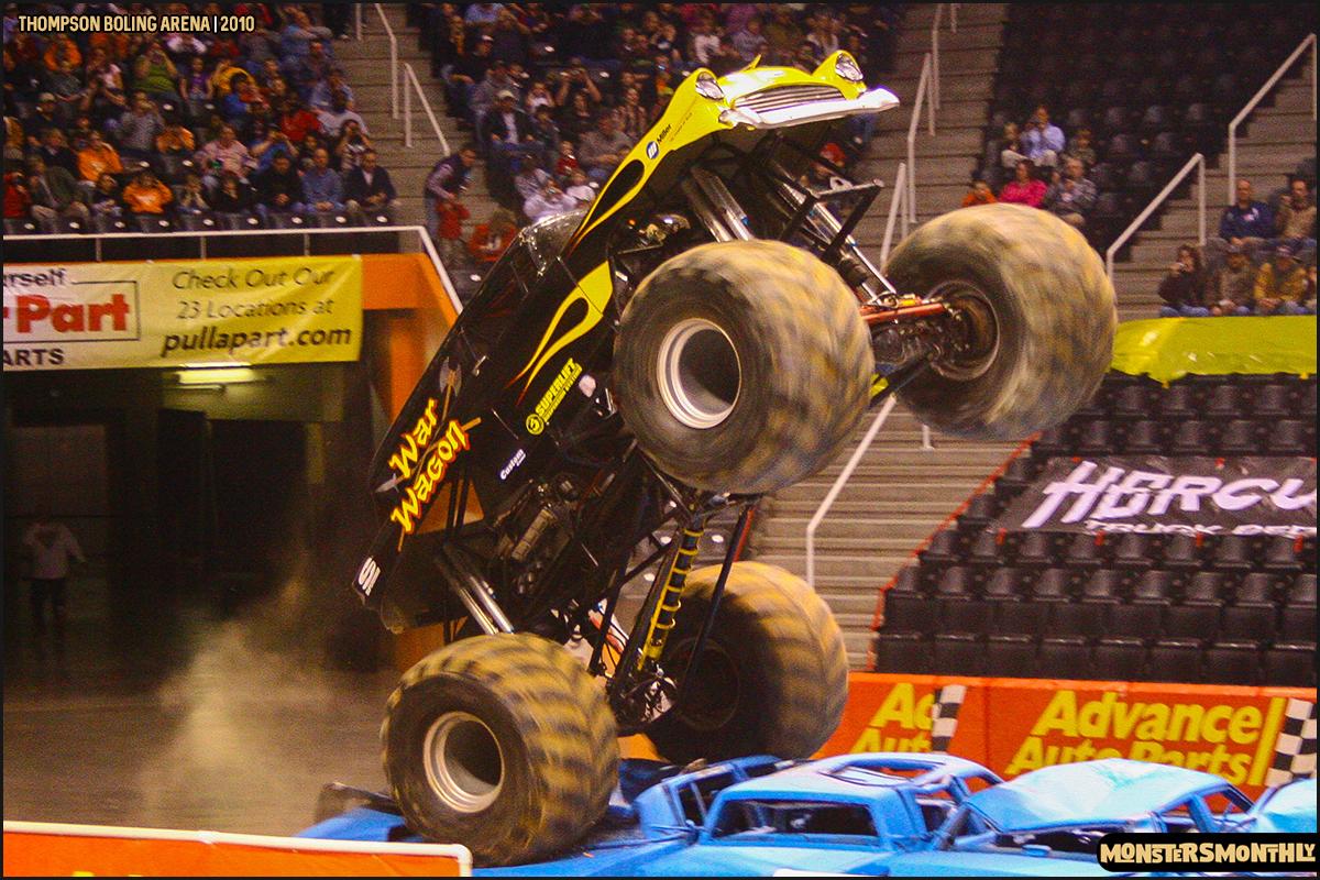05monster-truck-photo-gallery-monster-jam-thompson-boling-arena-2010-monsters-monthly.jpg