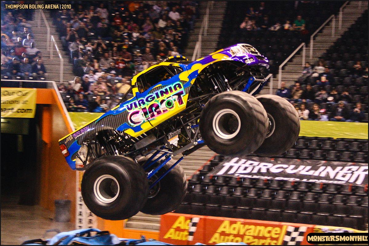 07monster-truck-photo-gallery-monster-jam-thompson-boling-arena-2010-monsters-monthly.jpg