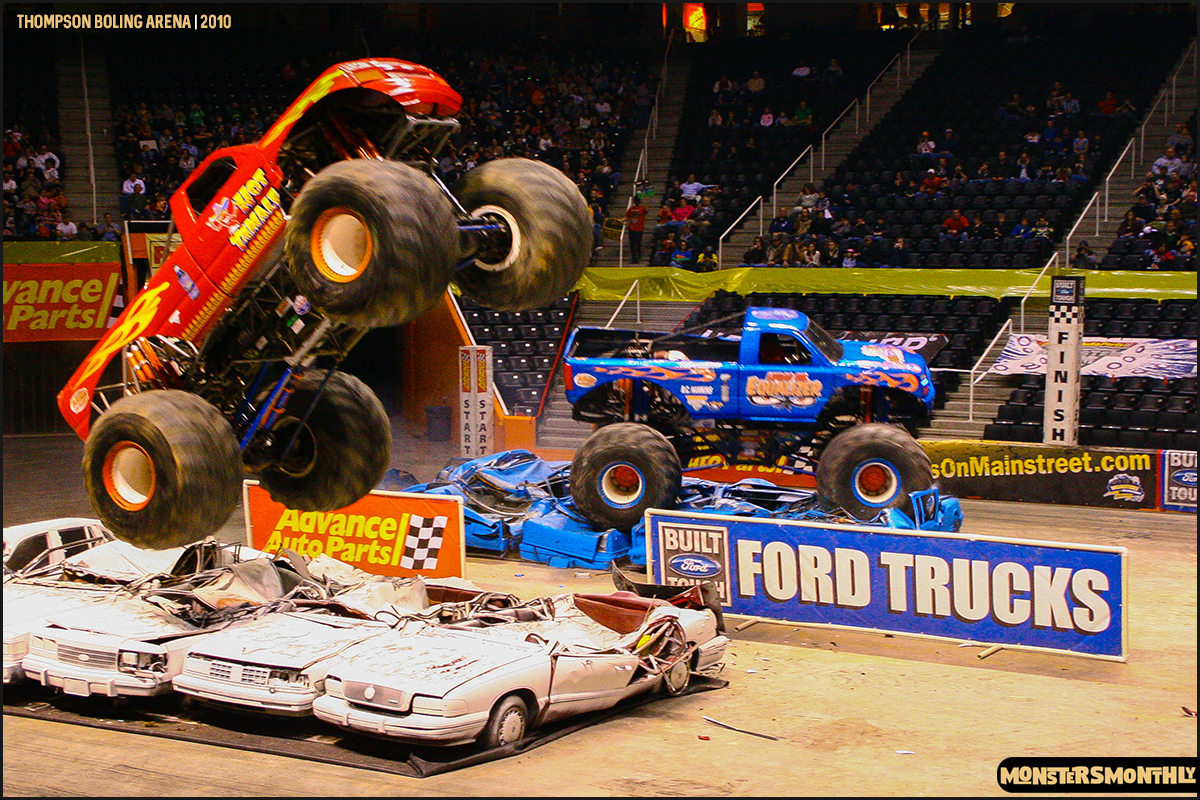 08monster-truck-photo-gallery-monster-jam-thompson-boling-arena-2010-monsters-monthly.jpg