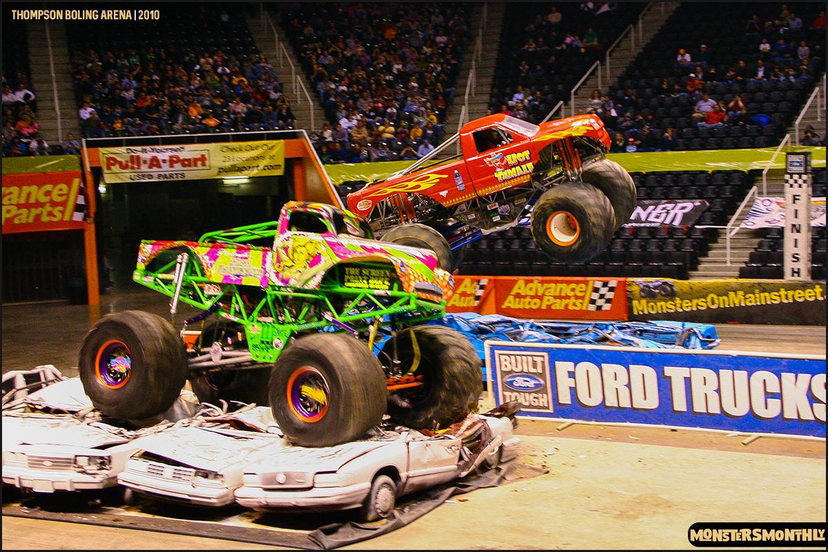 09monster-truck-photo-gallery-monster-jam-thompson-boling-arena-2010-monsters-monthly.jpg