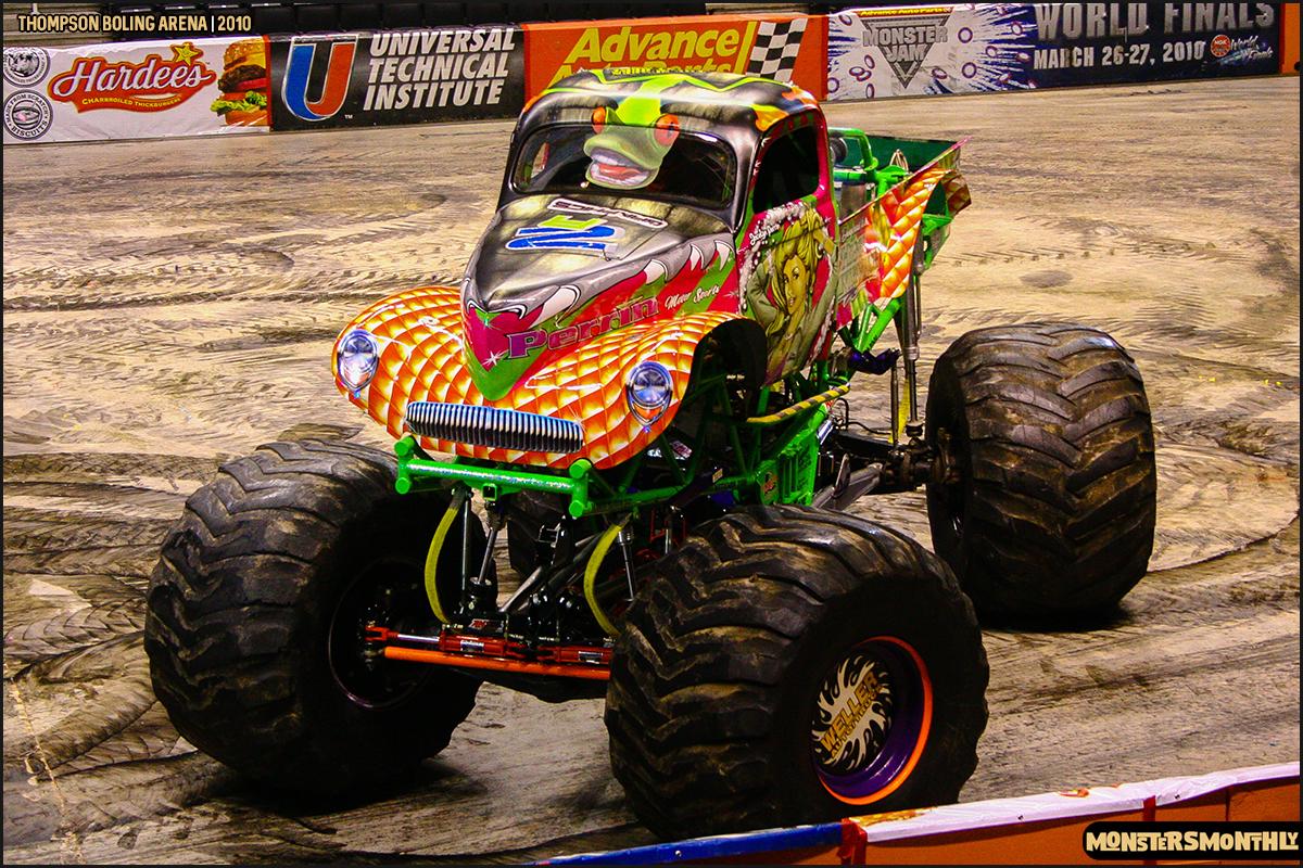 12monster-truck-photo-gallery-monster-jam-thompson-boling-arena-2010-monsters-monthly.jpg