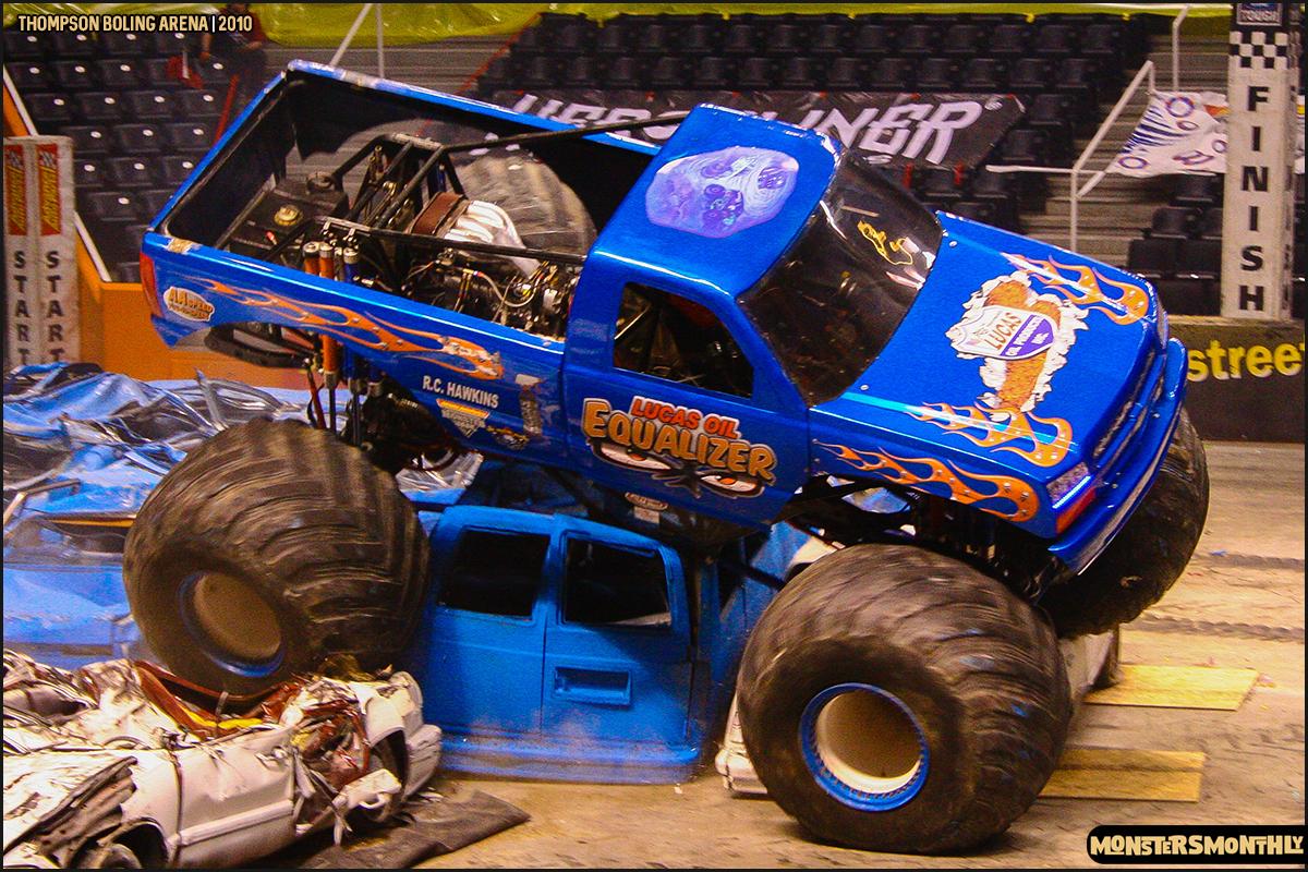 14monster-truck-photo-gallery-monster-jam-thompson-boling-arena-2010-monsters-monthly.jpg
