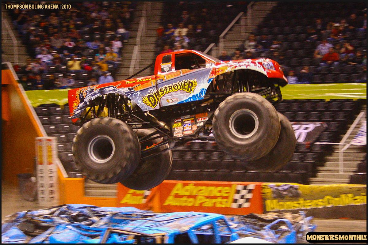 15monster-truck-photo-gallery-monster-jam-thompson-boling-arena-2010-monsters-monthly.jpg