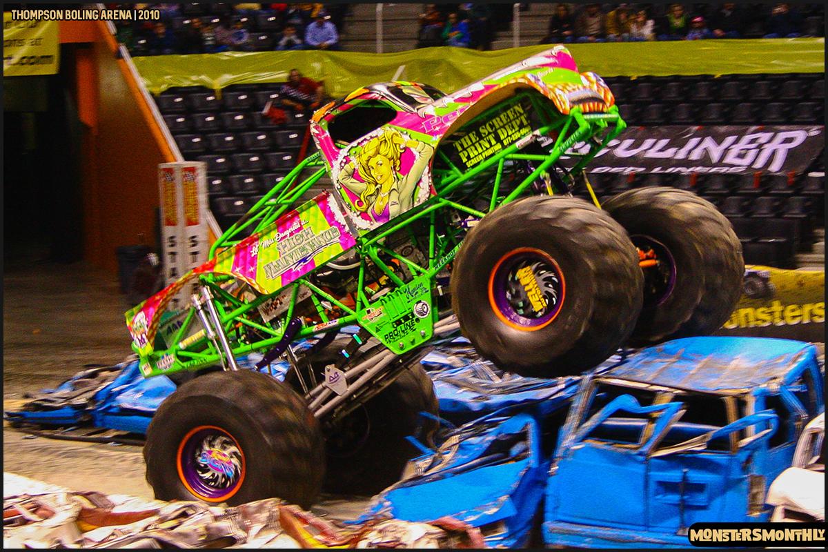 16monster-truck-photo-gallery-monster-jam-thompson-boling-arena-2010-monsters-monthly.jpg