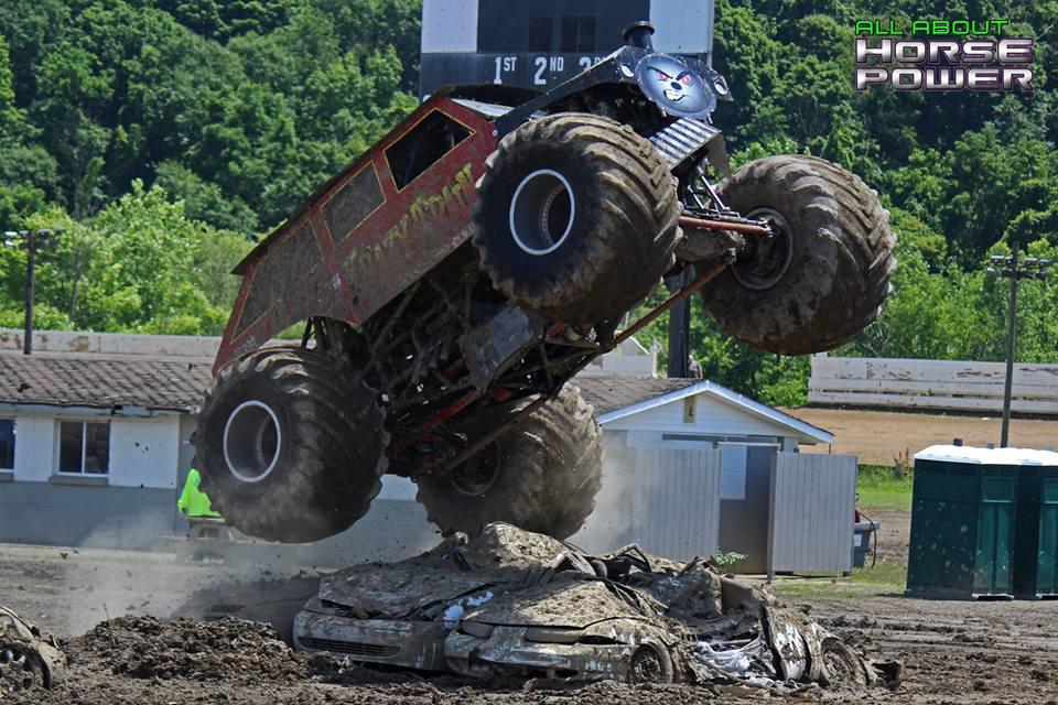 08-horsepower-photography-monster-truck-mania-2018-pa-motor-speedway-predator-full-boar-crazy-train.jpg